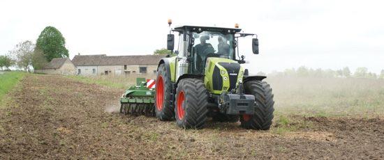 Eric Métivier, conduire un tracteur malgré son handicap
